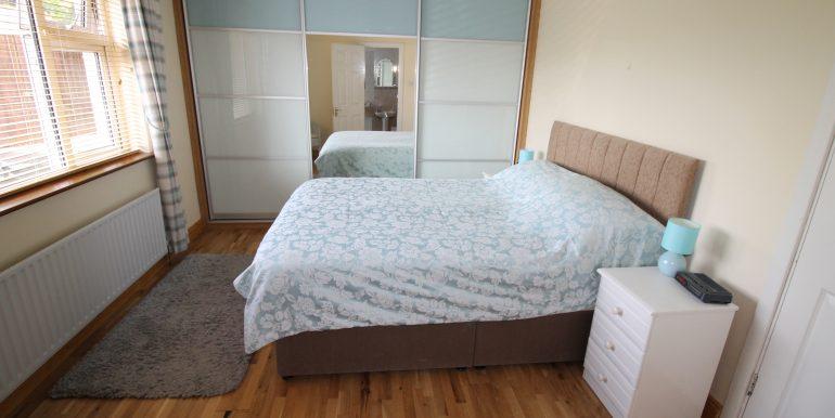 bed 4 side 4