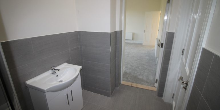 Main bed ensuite