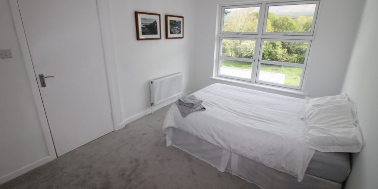 16. Bed 4. side