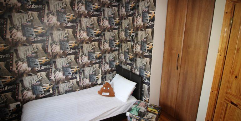 Bed 3 side