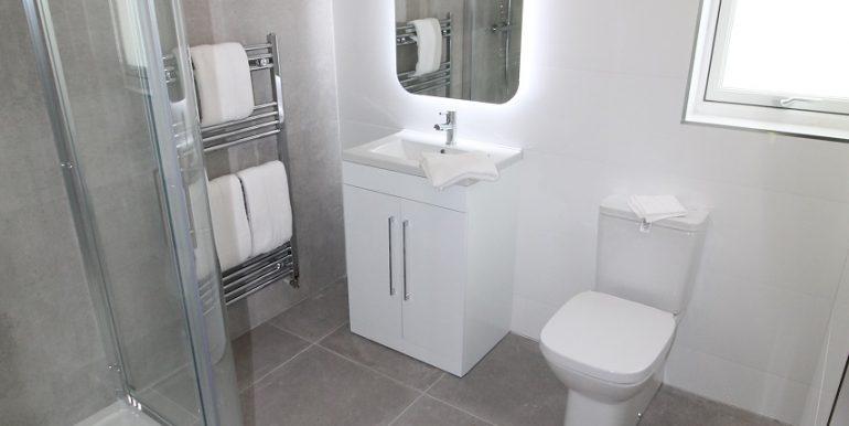 18. Bathroom 2