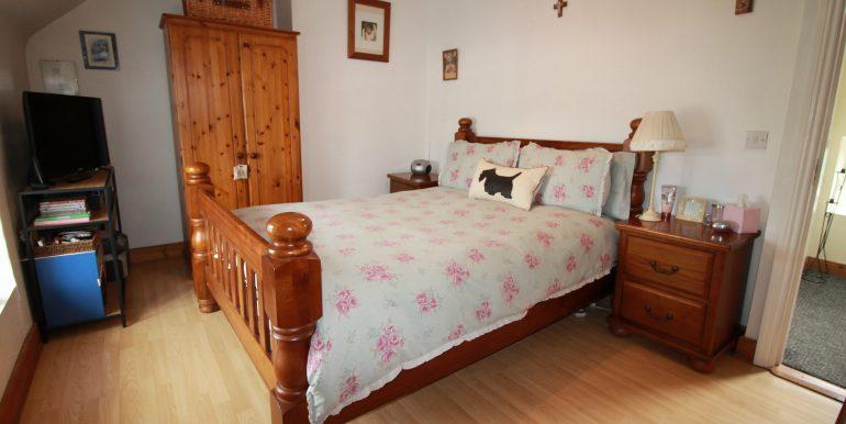 bed 2 main